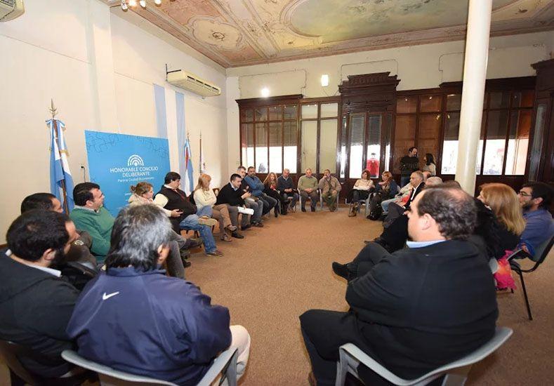 Dirigentes gremiales apoyaron el proyecto para declarar emergencia laboral en Paraná