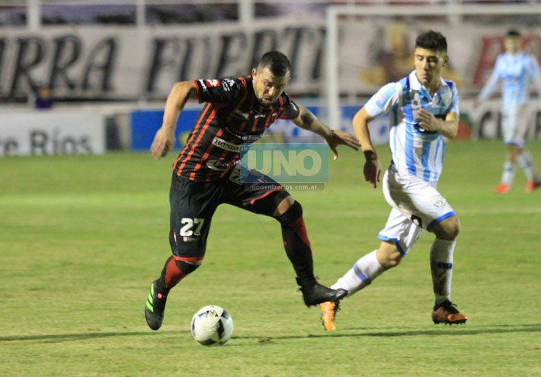 El chileno Donoso se perfila como uno de los atacantes del Rojinegro en Junín.   (Foto UNO/Diego Arias)