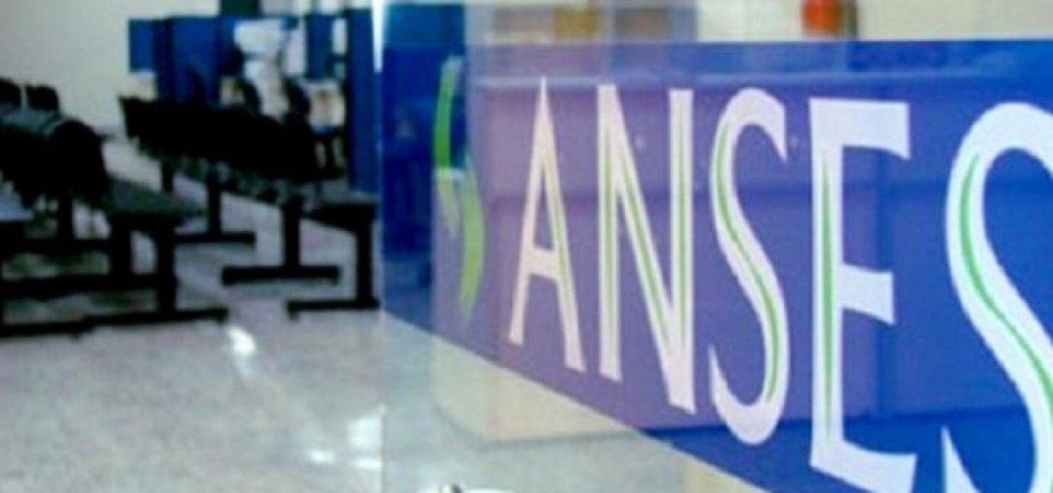 Despidieron a 150 jefes en la Anses y estalló una interna entre gremios del sector