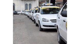"""Taxistas de Paraná solicitaron audiencia a Varisco por la """"competencia desleal"""""""