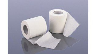 Insólito: periodistas cataron papel higiénico barato