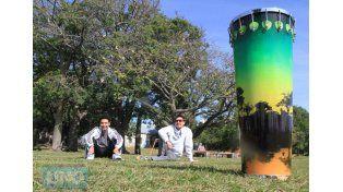 Franco Galarce y Pirincho Gamboggi con el timbal bahiano en primer plano. Foto UNO/ Juan Ignacio Pereira.