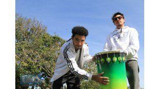 Samba Reggae, tambores que se hacen en Paraná y una puerta que se abre