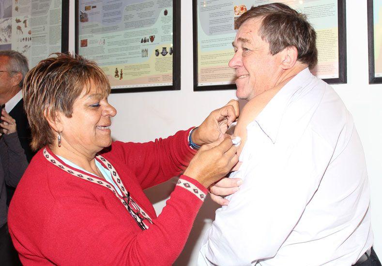 Oscar Balla aprovechó para vacunarse. (Foto: Prensa Ministerio de Salud)
