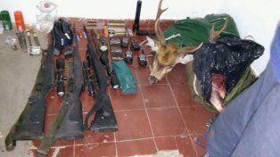 Los cazadores dejaron ocultas las armas y los restos de ciervos. Foto Departamental Uruguay.