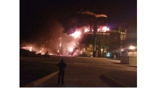 El incendio se desató en la planta Celulosa Argentina