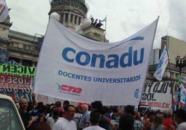 """Desde Conadu se advirtió que """"la negociación salarial está en estado crítico"""""""