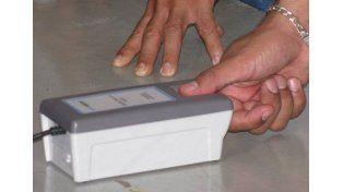 Los jubilados que cobren en el Nuevo Bersa deben registrar sus huellas digitales