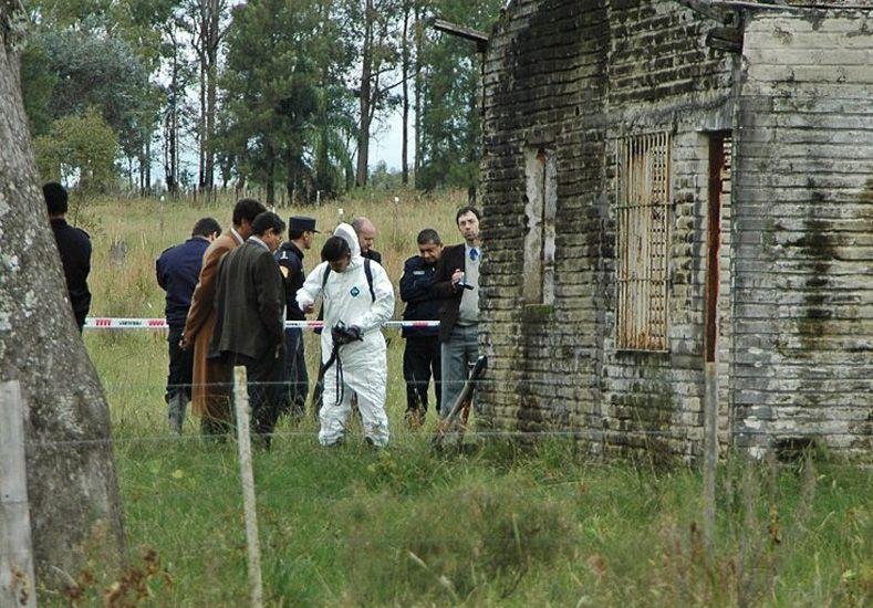 Horror. El cuerpo de Rueda estaba en descomposición y se espera saber la fecha de la muerte.  Foto: Diario Río Uruguay