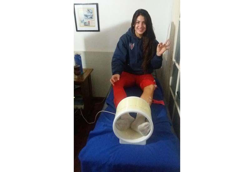 En plena rehabilitación. La crespense ayer en una clínica de Rosario tratando sus dolencias para estar en óptimo estado.