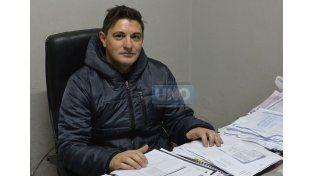 Daniel Segovia en su negocio