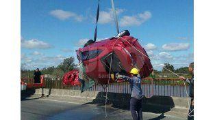 Sacaron del agua el auto de la paranaense que murió en la ruta 168