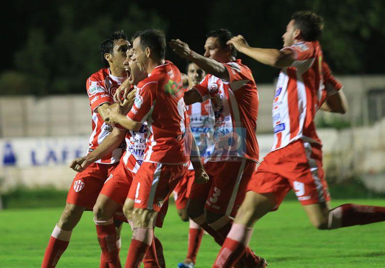 Atlético Paraná buscará romper la racha de 10 jornadas sin éxitos en la B Nacional.  Foto UNO/Diego Arias
