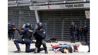 Francia. Nicolás Sarkozy culpó a los árabes de los males de su país. Le respondieron que no
