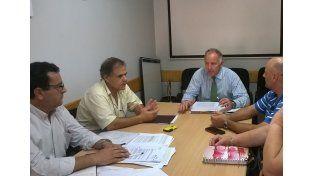 Rodríguez Allende escuchó los reclamos de los clubes. Foto Defensoría del Pueblo.