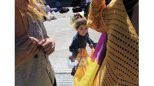 Una parte de la familia del circo se reunió hoy frente a la Municipalidad de Paraná. Foto UNO Juan Ignacio Pereira.