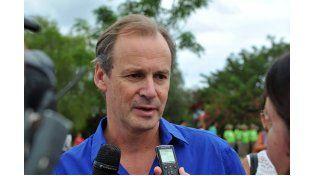 Bordet adelantó su regreso de Paraguay y reunirá a su gabinete en Santa Elena
