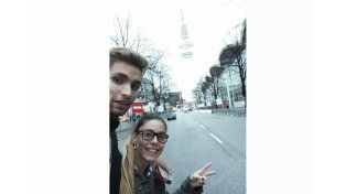 En Alemania. Federico junto a su novia Florencia Lauría recorriendo las calles de Hamburgo. Un viaje inolvidable.