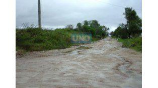 Calles anegadas en Bordón y Hernandarias. Vecinos. En Vicoer 46 Viviendas la situación se repite. Foto UNO/Valeria Girard