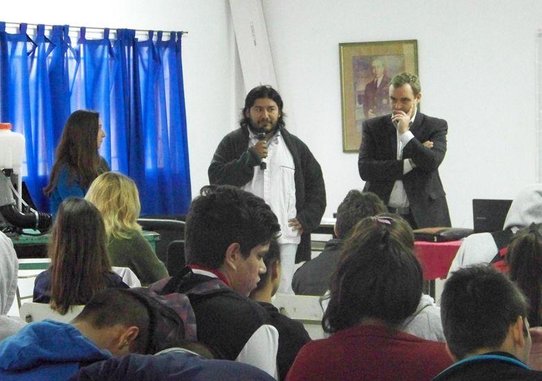 Charla sobre prevención del dengue en San Benito