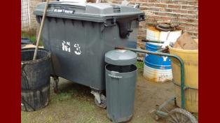 Allanaron una vivienda en Paraná y se encontraron con elementos del municipio