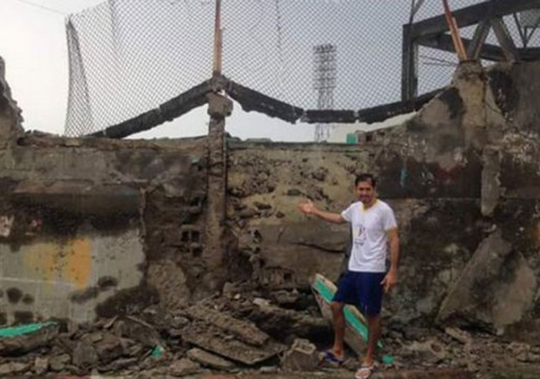 Así quedó un estadio de Ecuador tras el terremoto