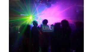 Boliches. Patricia Caro dijo que pacientes afirman que compran éxtasis por 100 pesos en fiestas. Foto UNO/Juan Ignacio Pereira