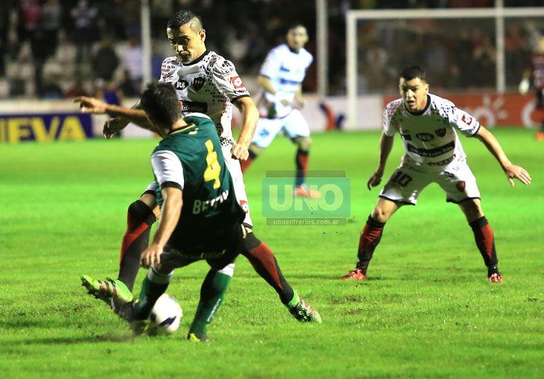 Telechea no buscó excusas e indicó que por algo Patronato sufrió una derrota anoche.  Foto UNO/Diego Arias