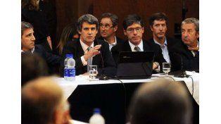 El ministro Alfonso PratGay aseguró en el Senado que luego del pago a los holdouts bajará la deuda pública.  Foto: Télam