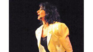 Anita  Martínez  presentó su show en Paraná