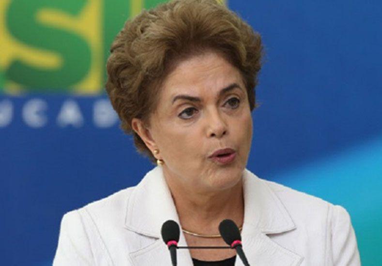 Dilma Rousseff aseguró que golpistas quieren poner fin a los planes sociales