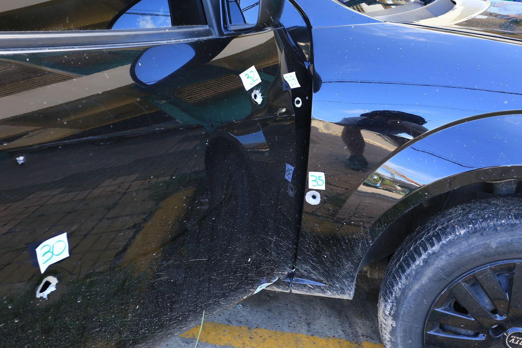 El auto peritado por la Policía. (Foto: UNO/Diego Arias)