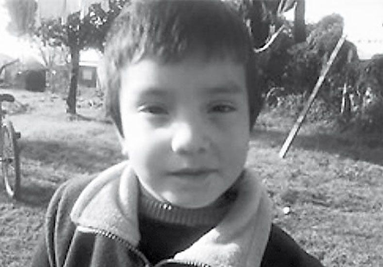 Juego. Nico se había ido a un monte con otro niño. Poco después murió.