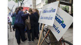 Los bancarios se movilizaron hoy en Buenos Aires y otras ciudades del país. (Foto: Télam)
