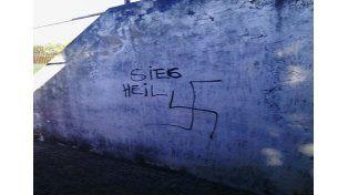 Uno de los detenidos por pintadas antisemitas es empleado del Iosper