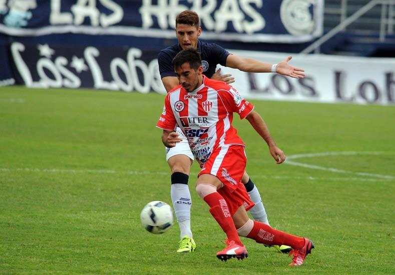Atlético Paraná igualó en Mendoza