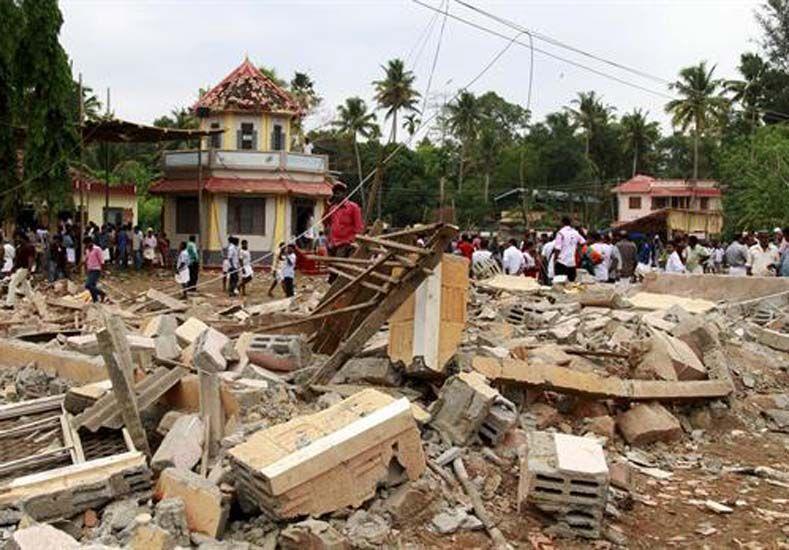 Una imagen del templo afectado por un poderoso incendio en Kerala