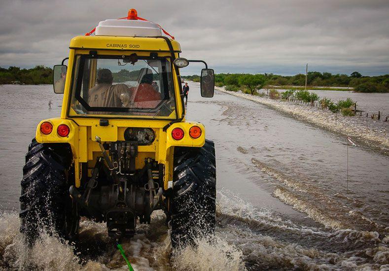 Se encuentran cortados caminos y rutas provinciales en al menos siete departamentos