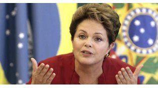 La presidenta de izquierda Dilma Rousseff convocó a un gran pacto nacional