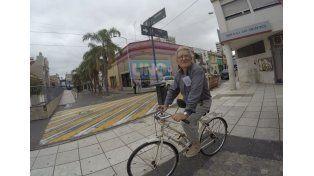 A los 74 años Eldgard reconoció que este último se subió a la bicicleta con más ganas que nunca. Foto UNO Juan Manuel Kunzi.