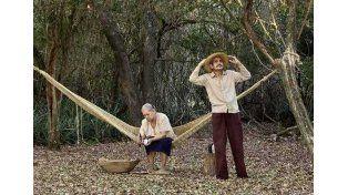Guaraní. En la película se destaca la historia de Atilio y su deseo que mantener viva la lengua de sus padres.