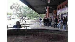 Nuevas quejas de usuarios de transporte  entre Paraná y Santa Fe