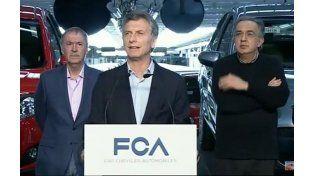 Macri hace anuncios en la planta de Ferreyra junto al gobernador y al intendente de Córdoba.