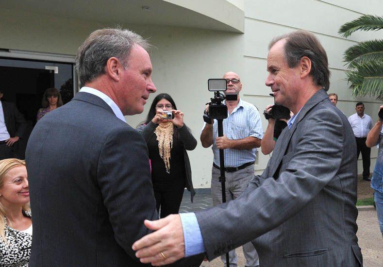 Recepción. El intendente Schneider elogió la visita del gobernador.