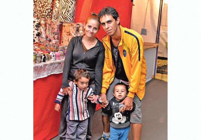 Artesanos expusieron sus creaciones en Paraná