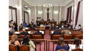 Los 16 senadores que participaron de la sesión votaron a favor del proyecto para convertirlo en Ley. Foto prensa Senado.