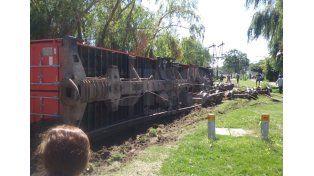 Descarriló un tren en Santa Fe y generó un caos vehicular en barrio Candioti