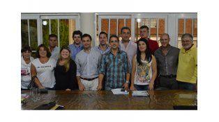 Los integrantes de la nueva Comisión Directiva luego de la asamblea que se realizó en la entidad.