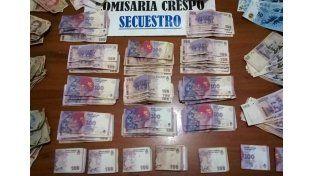 Tras un allanamiento, secuestraron una importante suma de dinero y celulares