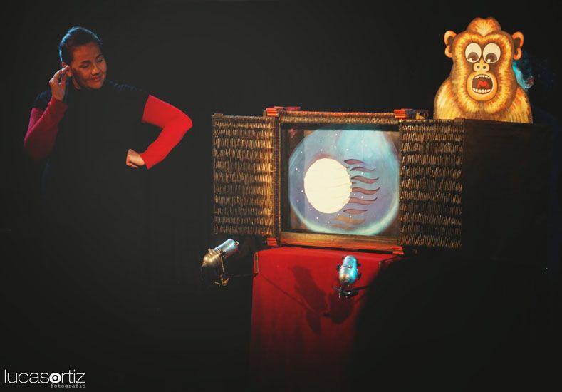 El teatro con papel nació en Japón y hoy presentarán una obra en la vecinal Mitre. Foto Kika producciones.